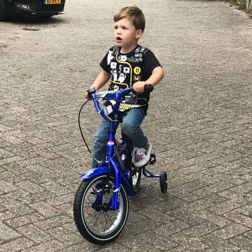 Marcel leert fietsen